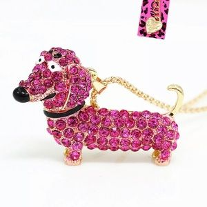 💖BETSEY JOHNSON Pink Crystal Dachshund Necklace